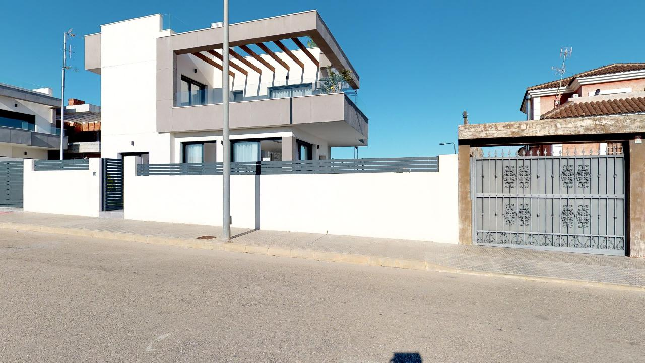 Propery For Sale in Los Montesinos, Spain image 25