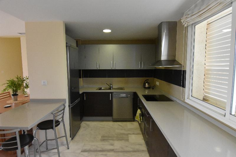 2 Bedroom, 2 Bathroom Apartment in {
